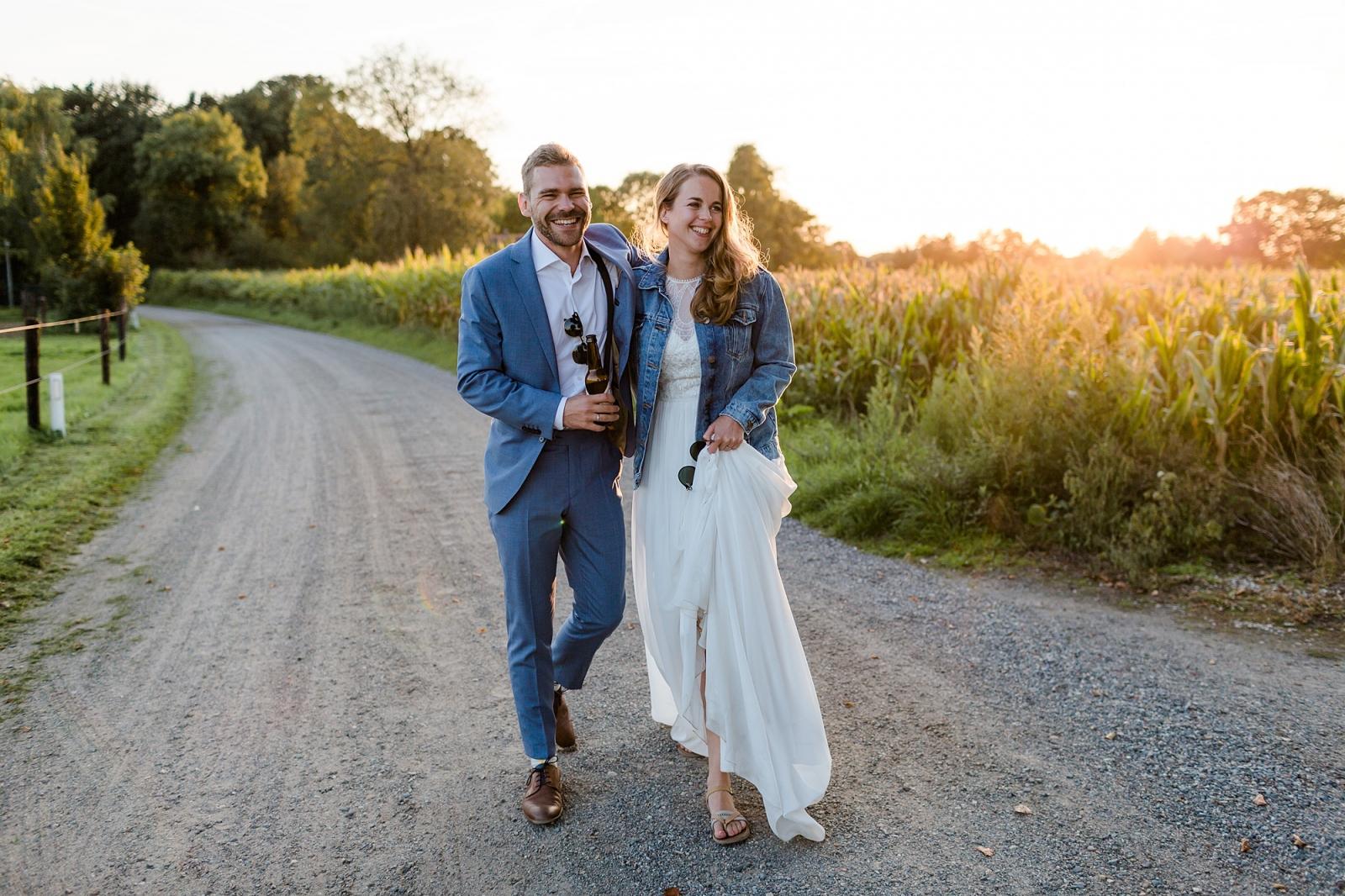 Het gouden uurtje, zonsondergangsshoot op jullie bruiloft en loveshoot